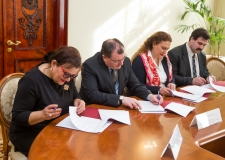 The signing of the Agreement on Cooperation between the Schools of St. Petersburg and Yerevan